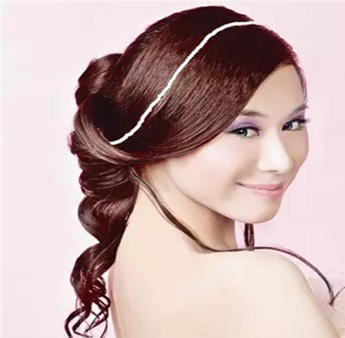 韩式新娘发型扎法教程 打造美丽韩式新娘图片
