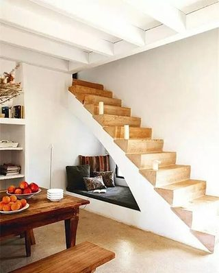 10个木质楼梯装修效果图 生活充满创意9/10