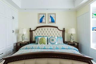 135平美式三居室卧室床头软包