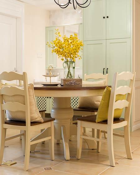 126平美式三居室圆形餐桌图片