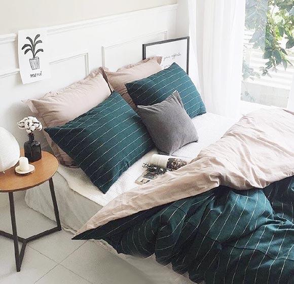卧室布艺床装修装饰图片