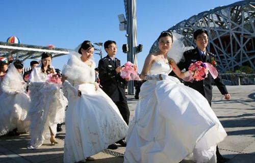 集体婚礼策划文案_员工集体生日会策划_策划文案是做什么的