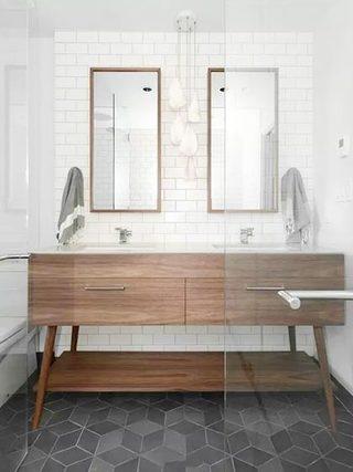 卫生间小白砖装修实景图