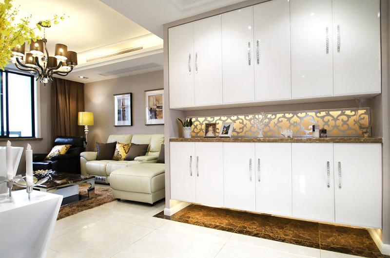 138平简约三居室玄关柜设计