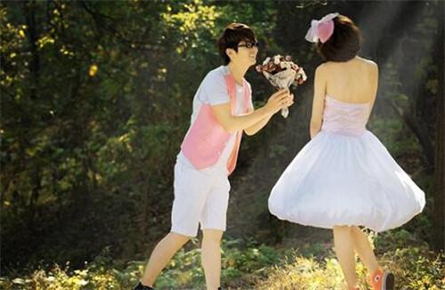 如何向女朋友求婚 简单温馨求婚方式推荐
