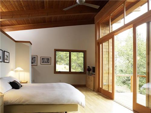 卧室和阳台隔断效果图 巧用隔断划分卧室和阳台