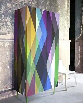彩色衣柜装修效果图