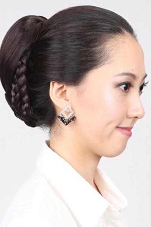 新娘妈妈发型如何装扮 妈妈参加婚礼发型怎么扎图片