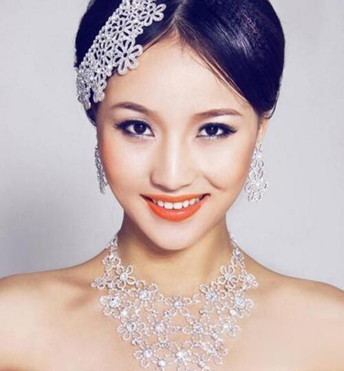 韩式新娘妆的画法介绍 韩式新娘造型的特点是什么图片