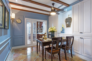 143平美式四居室餐厅装修图片