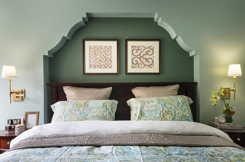 100平美式三居室卧室装修背景墙