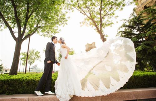 孝感哪家婚纱照拍的好_孝感婚纱摄影哪家好 孝感婚纱摄影价格贵吗