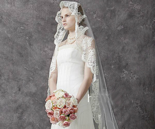 新娘造型图片欣赏 怎么根据脸型选择头纱_婚纱礼服图片