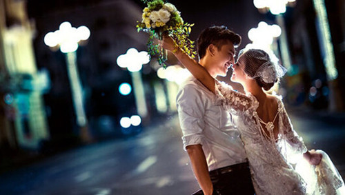 十二星座的婚纱照欣赏 12星座适合什么样的婚纱照