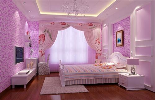 我们在选择女孩卧房家具的时候也是有很多讲究的,小编建议大家尽量选择一些带有欧式元素的家具,当然家具的款式和颜色要和室内的格调相协调。图中这个卧房设计就非常棒,象牙白色的欧式家具搭配淡紫色的墙纸以及精美的水晶吊灯,把卧房装扮的奢华、大气。 小女孩卧室装修效果图三