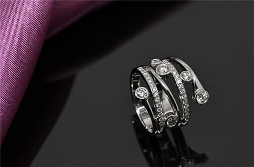 钻石图片大全 钻石戒指怎样定制图片