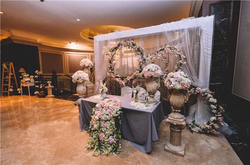 婚礼签到台布置图片 如何布置婚礼签到台_婚庆服务