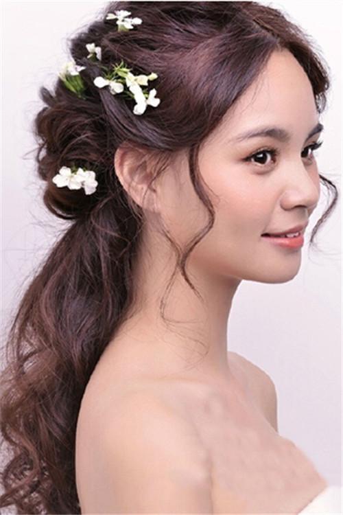 中分新娘发型图片 新娘中分发型步骤有哪些