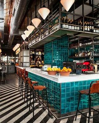 大型酒吧吧台设计效果图