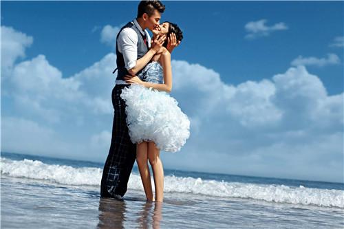 青岛婚纱工作室排行榜 青岛拍婚纱照多少钱