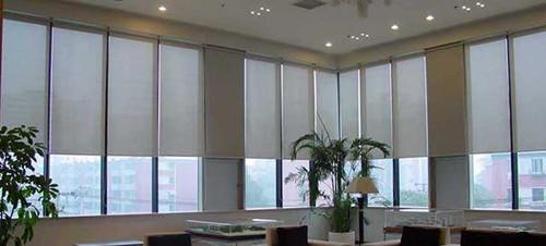 自动窗帘的清洗 自动窗帘的特点