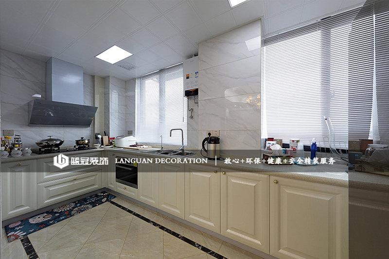 厨房实拍图图片
