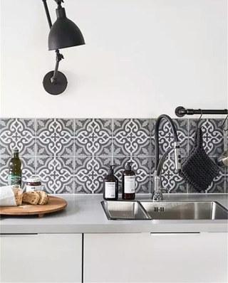 北欧风格厨房装修瓷砖图
