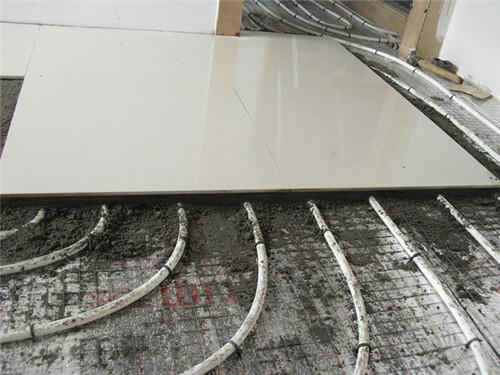 地暖地板砖如何选择 地暖上铺地砖还是地板好