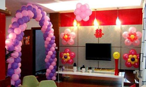 新房的装饰也可以适当的用哆啦a梦空飘做点缀,由于空飘价格比其他气球图片