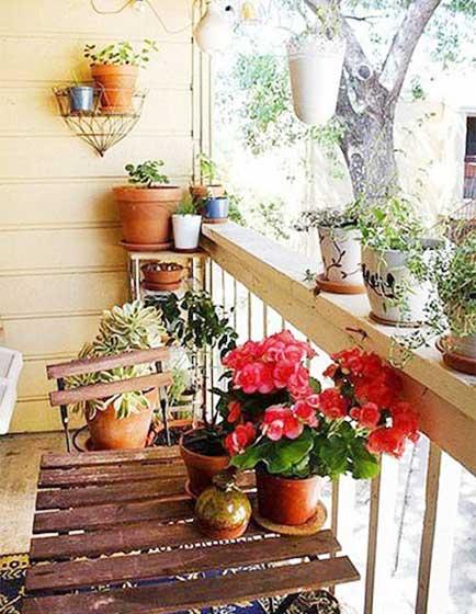 木质花园阳台装饰图片