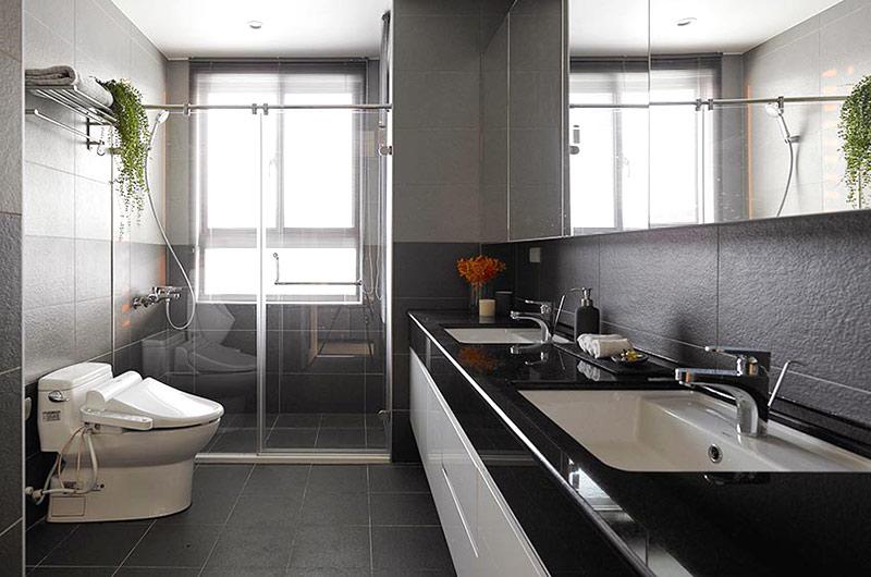 132平简约公寓装修卫生间装修图