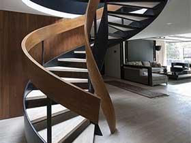 尽显豪华美感  10个旋转楼梯设计布置图