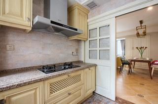 98平美式风格三居厨房装修图片