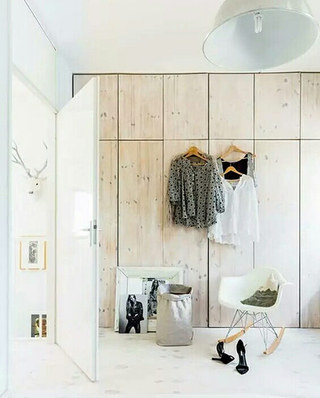 卧室整体木质衣柜设计图片