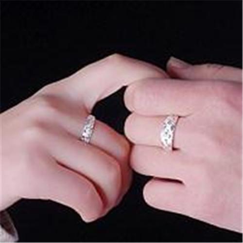 男人婚戒带哪只手比较好 戒指对结婚有什么意义图片