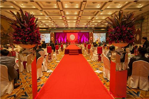 中式婚礼西式婚礼有什么区别 中式婚礼和西式婚礼优点图片