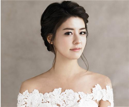 韩式新娘妆特点有哪些 新娘化妆需要注意什么