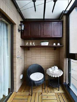 休闲阳台改造茶几摆放图