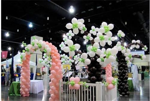 婚庆气球如何布置 浪漫婚礼气球装饰效果图欣赏