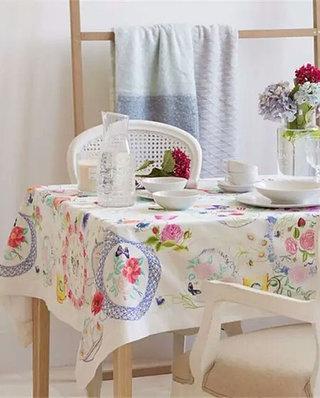可爱桌布装饰餐厅设计图