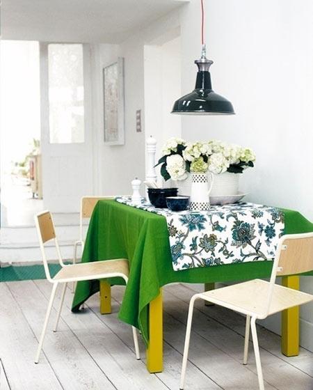 清新餐厅桌布装饰效果图