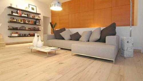 卧室木地板选购诀窍 卧室铺木地板的好处