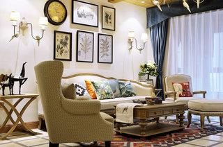 130平法式风格四居客厅装修效果图