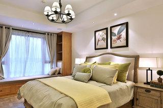 130平法式风格四居卧室床品图片