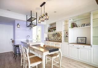 美式风格一居室餐厅图片