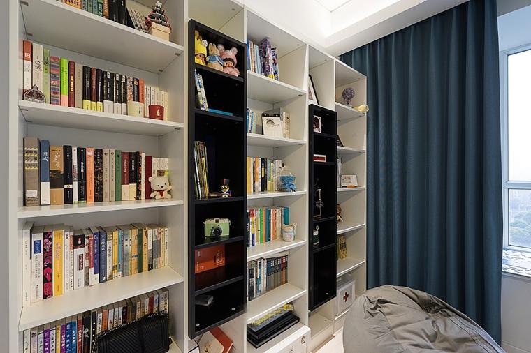 140平简约风格三居室装修书柜效果图