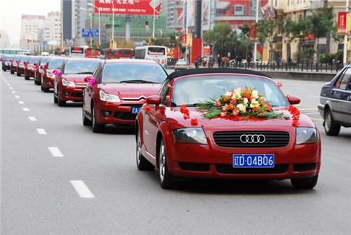 婚庆车怎样装饰更炫 你见过这样装扮的婚车吗|业界动态-郑州聚鑫婚庆礼仪有限公司