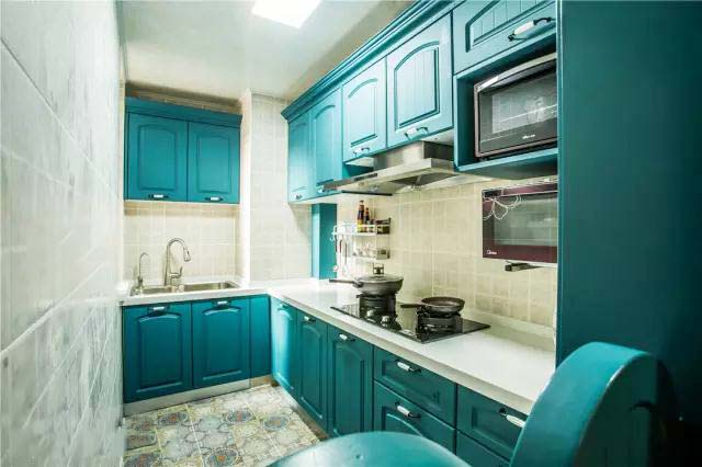 绿色系厨房装修参考图