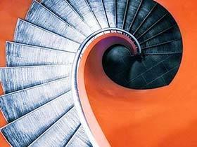 惊艳天地  10款旋转楼梯装修图