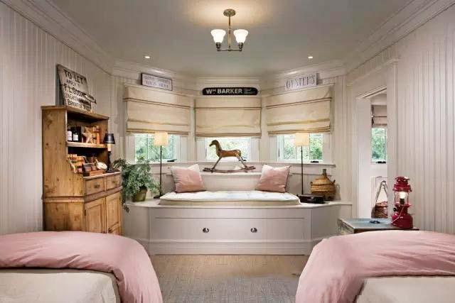 卧室飘窗装修欣赏图